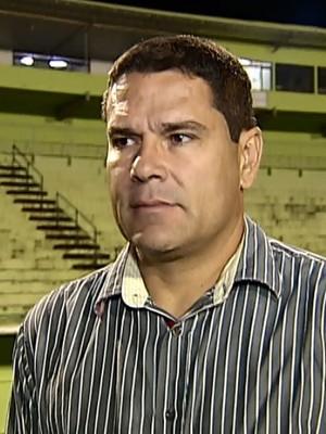 Léo Goiano técnico do Nacional d Uberaba (Foto: Reprodução/TV Integração)