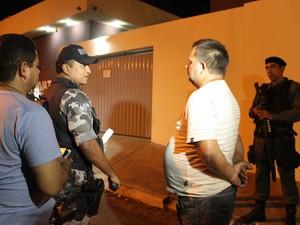Motorista de caminhão revelou que receberia R$ 10 mil pelo transporte de produtos roubados (Foto: Catarina Costa/G1)