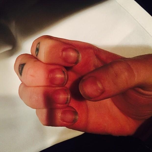 Mão de Miley Cyrus (Foto: Instagram/ Reprodução)