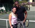 Bolt brinca e tieta a atual campeã  de Wimbledon e aposentada Bartoli