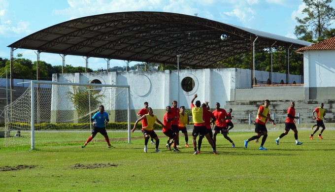 Tricordiano treino na EsSA (Foto: Régis Melo)