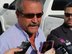 Coronel Ferreira chega para julgamento (Foto: Gabriela Ribeti/ TV Gazeta)