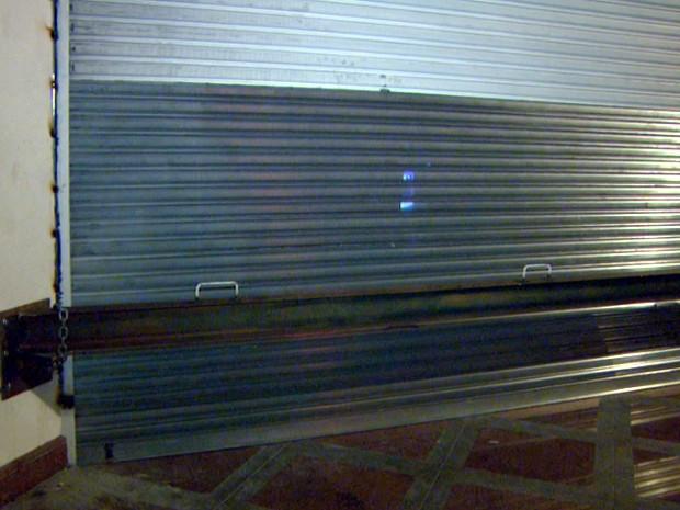 0b7d5b8539234 Loja da Miami Store com proteção após ser atacada por gangue da marcha ré  em Campinas