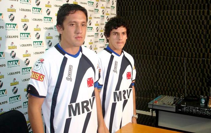 Pedro Vera e Benitez apresentados no Vasco (Foto: Globoesporte.com)