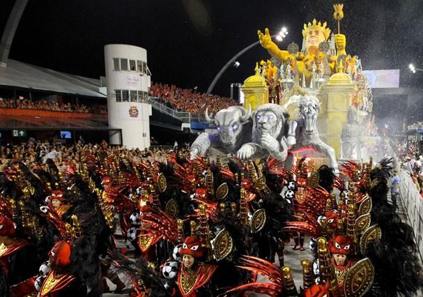 Desfile das Escolas de Samba de São Paulo (Foto: Getty Images)
