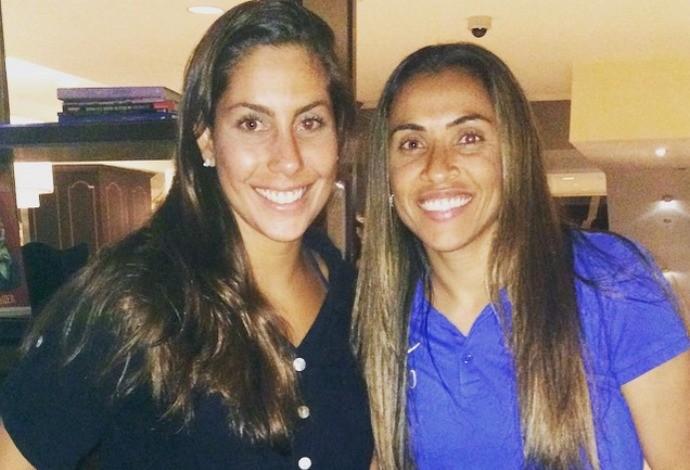 Lara Teixeira e Marta nado sincronizado e futebol (Foto: Reprodução/Instagram)