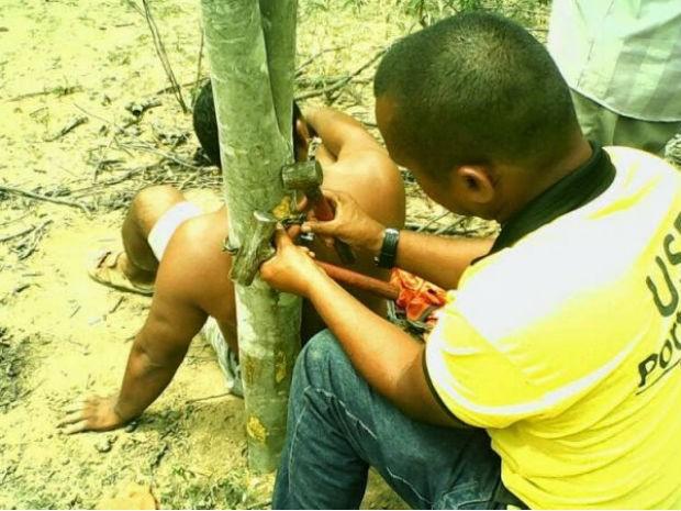 Mototaxista é assaltado e acorrentado em árvore em Piritiba (Foto: Denny Cerqueira / Piritiba Notícias)