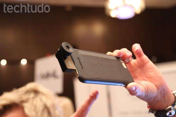 Câmera se conecta ao iPhone e reconhece o calor dos objetos (Foto: Fabricio Vitorino/TechTudo)