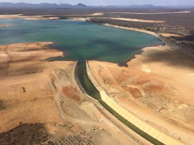 Água dos reservatórios ainda não beneficia comunidades locais (foto: eduardo coelho / arquivo pessoal)