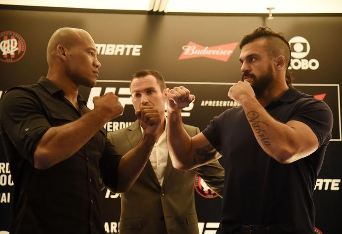 Ronaldo Jacaré Vitor Belfort coletiva UFC 198 (Foto: André Durão)