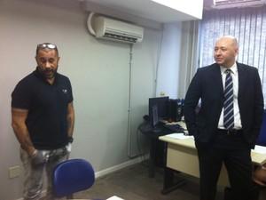 José Júnior prestou depoimento ao delegado Márcio Mendonça nesta segunda (22) (Foto: Marcelo Elizardo/ G1)