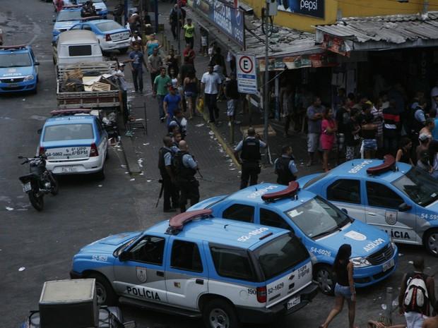 Bope faz operação na favela da Rocinha após tiroteio fechar túnel neste domingo (16) no Rio (Foto: Agência O Dia/ Estadão Conteúdo)