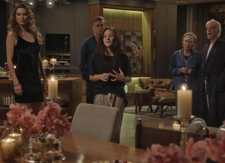 Stelinha e Maurice armam jantar romântico para Arthur e Natasha