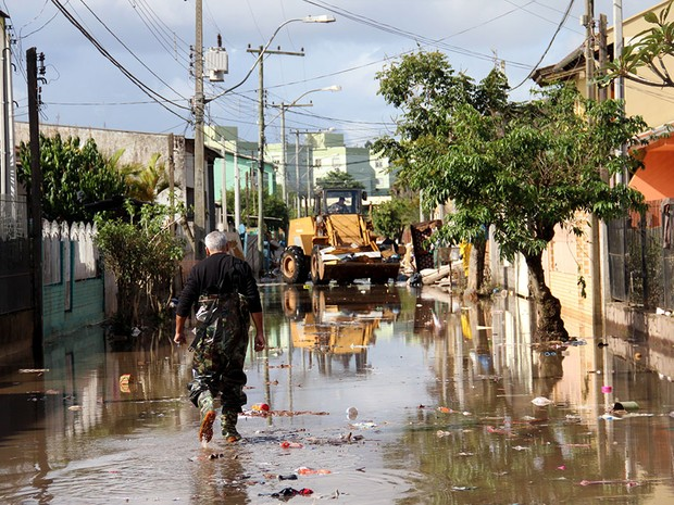 Limpeza Esteio chuvas RS (Foto: Pedro de Brito/Divulgação Prefeitura de Esteio)