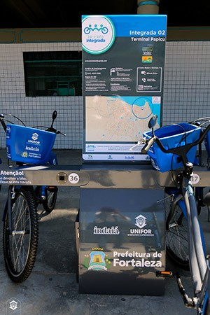 A utilização das bicicletas é gratuita, bastando que o usuário realize cadastro presencialmente nos Terminais da Parangaba ou Papicu (Foto: Ares Soares/Unifor)