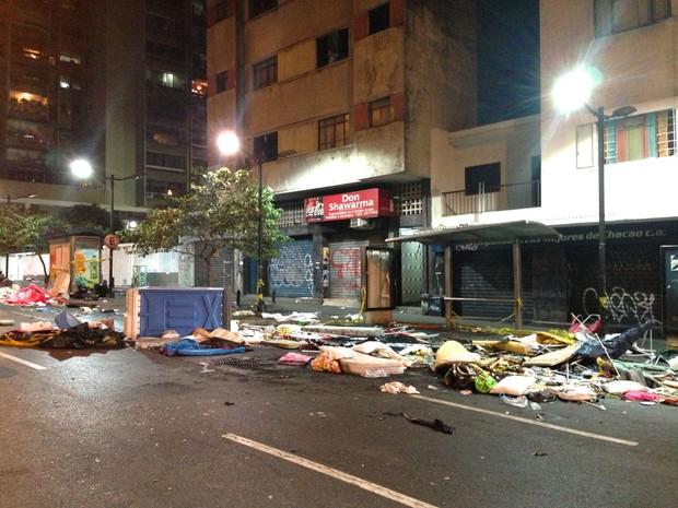 Protesto ocorreu após anúncio oficial da morte do presidente nesta terça-feira (5) (Foto: Leo Campos)
