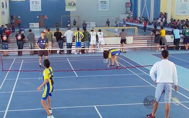 Esporte olímpico, badminton é inserido no JEMG 2013 (Foto: Reprodução EPTV)