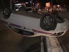 Taxista fica ferido após capotar carro na Avenida Contorno, em Salvador