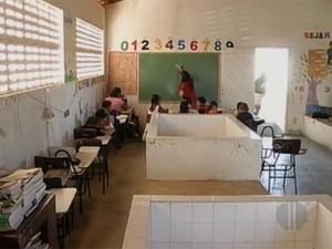 Escola funciona na casa de farinha da comunidade (Foto: Reprodução/Inter TV Cabugi)