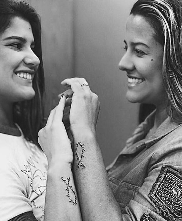Giulia Costa e Mariana Simões (Foto: Reprodução/Instagram)