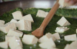 Veja como fazer creme de bertalha e tofu