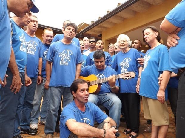 Coral se apresenta na entidade nesta sexta-feira, no dia de Santa Luzia (Foto: Alan Schneider / G1)