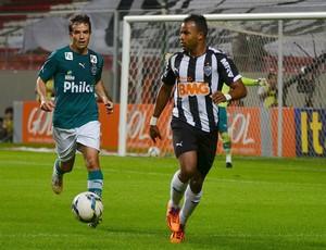 Fernandinho Atlético-MG x Goiás (Foto: Bruno José / Futura Press)