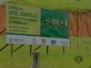 Suposto superfaturamento na compra dos terrenos da UFSC em Joinville está sendo investigado (Foto: Reprodução RBS TV)