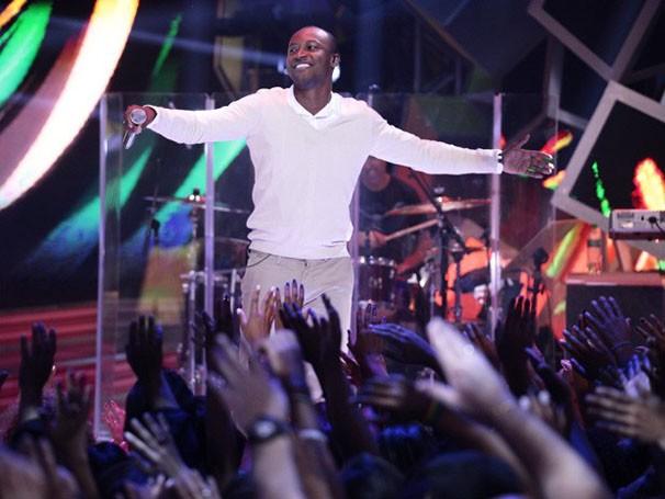 Thiaguinho é o primeiro apresentador do Sai do Chão (Foto: (Foto: Pedro Curi/TV Globo))
