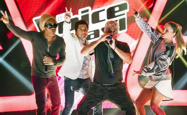 O time de técnicos do programa The Voice: Carlinhos Brown, Daniel, Lulu Santos e Cláudia Leitte (Foto: João Miguel JR./Rede Globo)