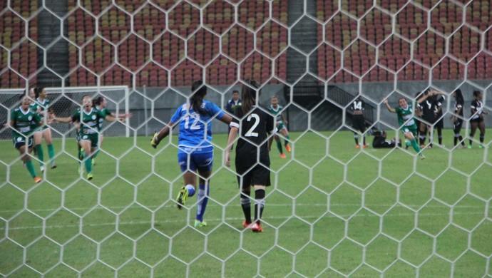 Iranduba venceu Vasco nos pênaltis (Foto: Marcos Dantas)