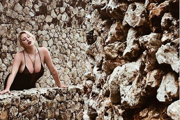 A modelo Hayley Hasselhoff, filha do ator David Hasselhoff (Foto: Instagram)