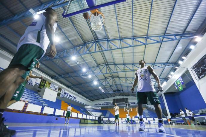 Bauru Basket, treino, Ginásio Juquinha, em Macaé (Foto: Caio Casagrande / Bauru Basket)
