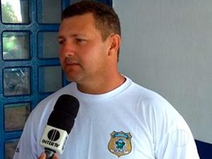 Roberto Maia foi aprovado em concurso, mas ainda não foi chamado (Foto: Reprodução/Inter TV Cabugi)