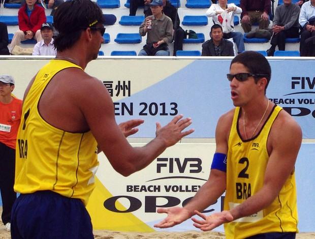Ricardo e Álvaro Filho etapa de Fuzhou do Circuito Mundial de Vôlei de Praia (Foto: Divulgação / FIVB)
