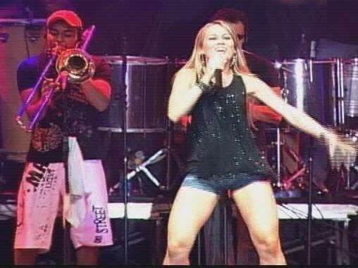 Banda Axé Mundo agita reveillon no Leste de Minas Gerais (Foto: Reprodução / Inter TV Vales de Minas Gerais)