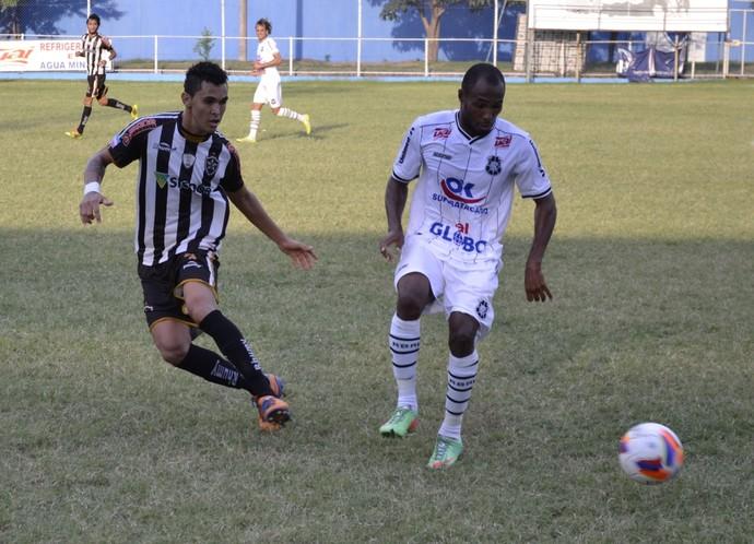 Robert, atacante do Rio Branco-ES (Foto: Sidney Magno Novo/GloboEsporte.com)