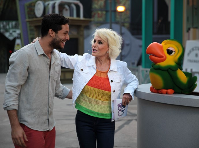 Rainer Cadete grava o programa 'Mais Você' com Ana Maria e Louro José (Foto: Marcos Mazini/Gshow)