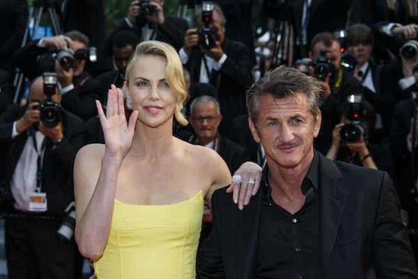 Charlize Theron e Sean Penn na edição de 2015 do Festival de Cannes (Foto: Getty Images)