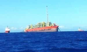 Navio-plataforma que explodiu no ES vai passar por reparos em Cingapura