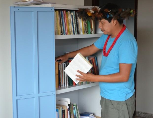 Chicoepab Suruí conclui o mestrado em janeiro (Foto: Magda Oliveira/G1)