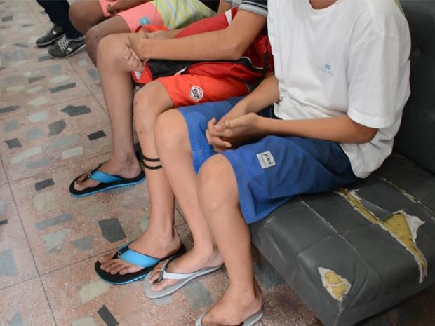 Após serem detidos, eles foram encaminhados à Delegacia de Infância e Juventude (Foto: Walter Paparazzo/G1)