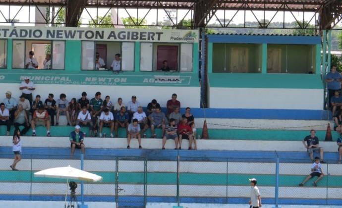 Estádio Newton Agibert: Prudentópolis x Atlético-PR (Foto: Fernando Freire)