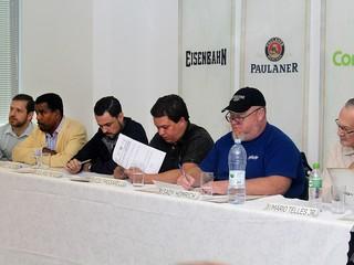 Jurados durante o 1º Campeonato de Sommeliers (Foto: Divulgação)