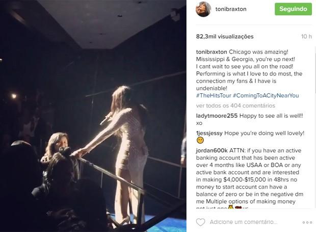 Toni Braxton retorna aos palcos após nova internação por cotna do lúpus (Foto: Reprodução/Instagram)
