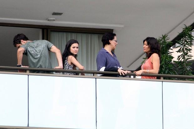 Gabriel Braga Nunes e Helena Ranaldi gravaram em hotel na praia da barra da tijuca, RJ (Foto: Marcus Pavão/Agnews)