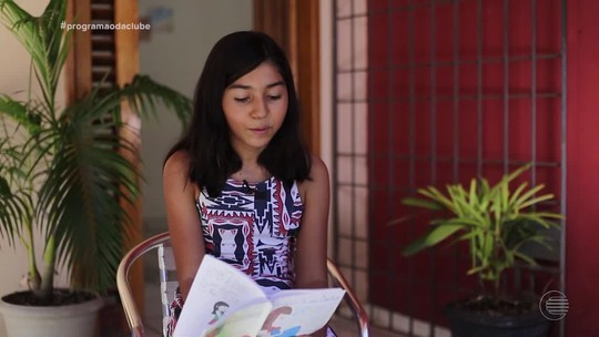 Manda Ver: estudante Rafaela declama suas poesias