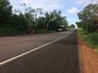 Colisão entre carro e carreta deixa um morto na BR-153