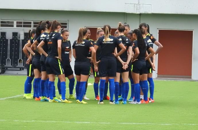 Brasil feminino treino manaus (Foto: Marcos Dantas)