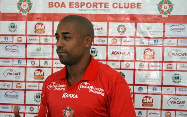 Atacante Robert é o novo reforço do Boa Esporte (Foto  Tiago ... f27b3be929eef